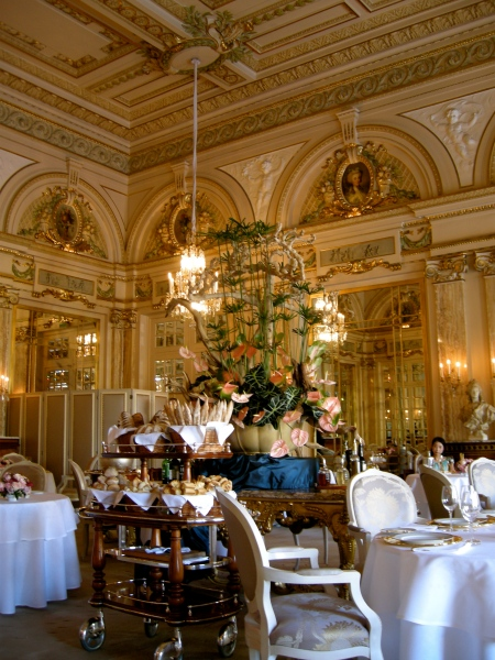 Restaurants monaco felixhirsch 39 s tour de table for Salle de bain louis xv